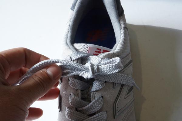 NB shoe lace how 18