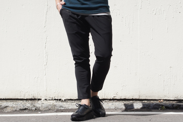 EASY TUCK PANTS BLK style zoom 1