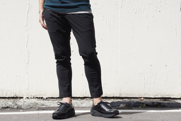 EASY TUCK PANTS BLK style zoom 2